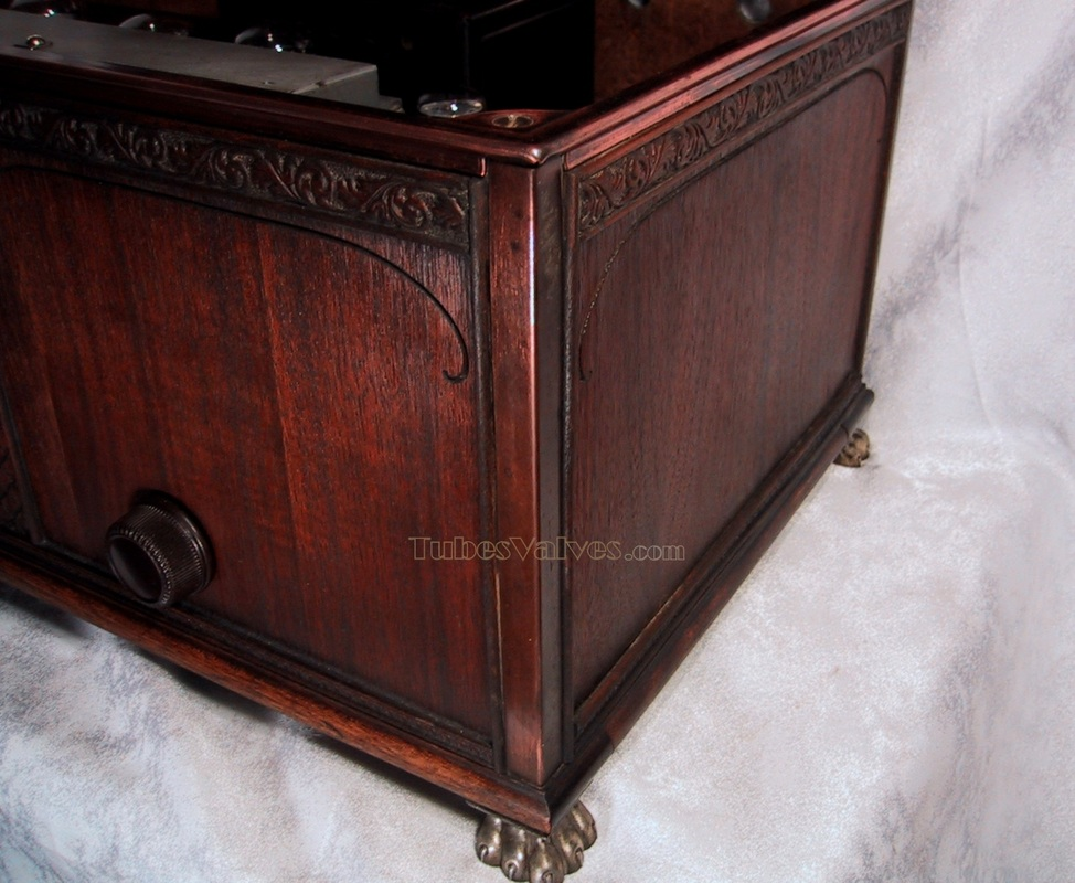 kolster,1928,tube radio, carved wood case, wireless receiver,valves,claw feet