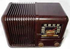 travler,trav-ler tube radio,model 5051,tubesvalves.com,valve wireless,bakelite