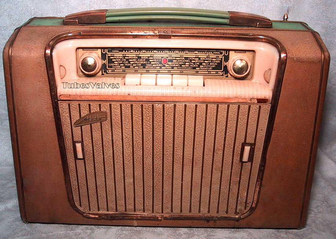 metz,babyphon 56,german,european,portable,radio,record player,
