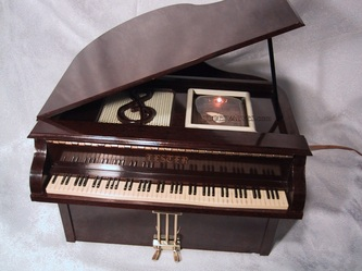lester,lk franklin,bakelite,piano,5 tubes,valve wireless,tubesvalves,