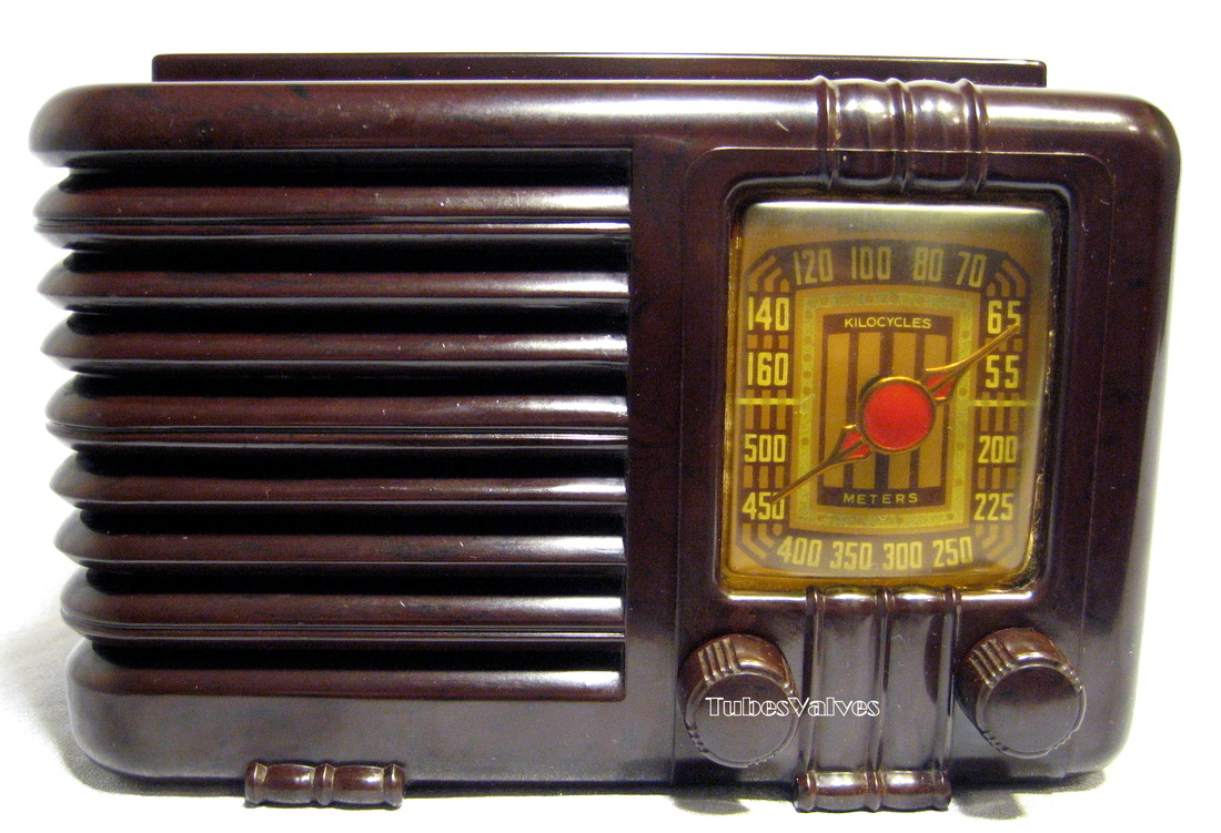 Sentinel,musicaire,1940,tube radio,bakelite,wireless,tubesvalves,622 w,